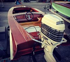 Cool vintage boat. Love that motor