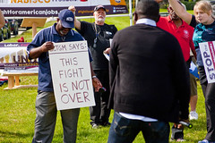 BCTGM Workers Protest Job Outsourcing at Nabisco Shareholders Meeting 5-17-17 7361