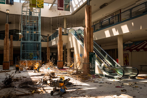 Mall in Demolition