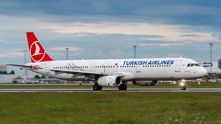 TC-JMN Turkish Airlines Airbus A321-231