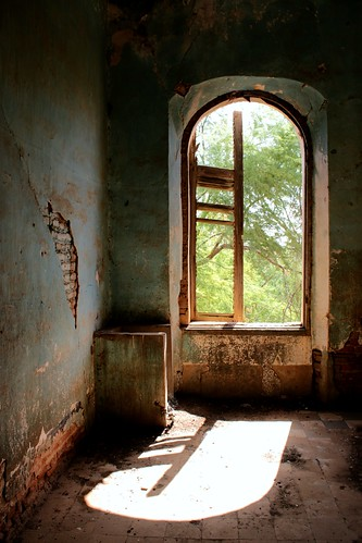 picmonkey colonial decay window shadows sunlight blue ruined château chateaudebaronroger richardtoll senegal africa westafrica