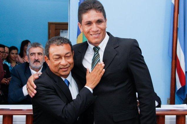 Licitações em Óbidos, sob Chico Alfaia: Bichinho ganha outra, Prefeito Chico Alfaia e o vice-prefeito Isomar Barros, de Óbidos