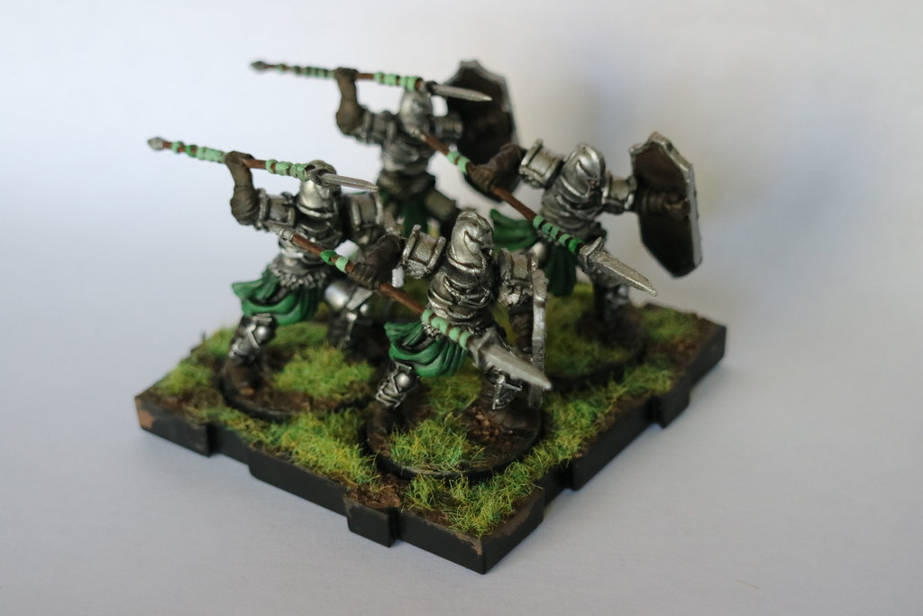 Runewars Miniatures Spearmen Green Front