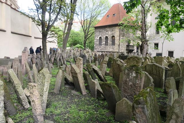PRAGUE, OLD JEWISH CEMETERY
