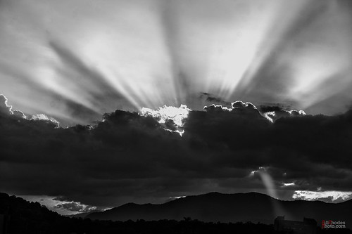 billrhodes asheville nc blackandwhite monochrome sunset sunrays clouds mountains
