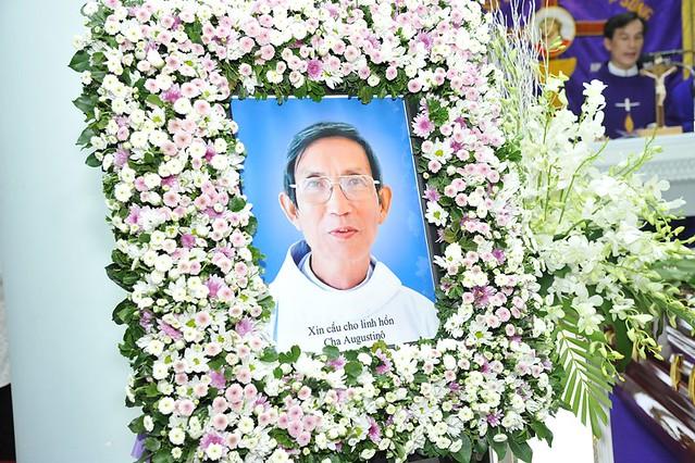 Nghi Thức Nhập Quan Và Thánh Lễ Cầu Nguyện Cho Cha Augustino Nguyễn Viết Chung