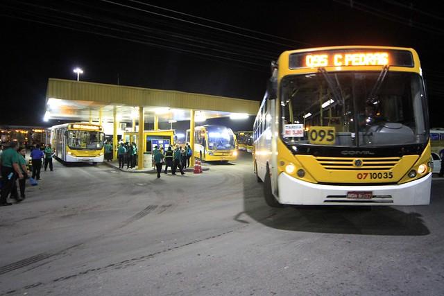 17.05.09.SMTU Fiscaliza greve dos ônibus na garagem