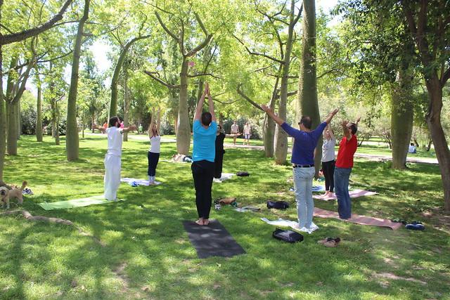 Clase de yoga solidaria
