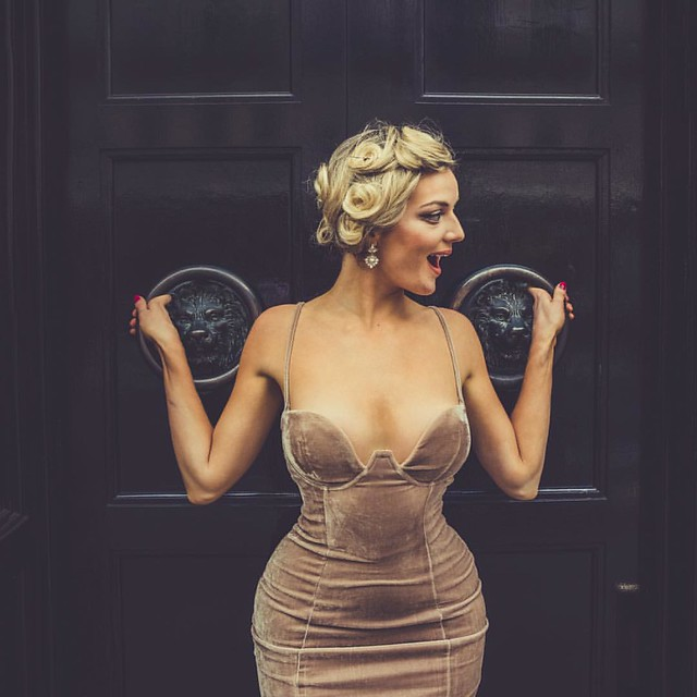 She had the nicest roundest firmest pair of knockers in London..and a firm grip on them too   Happy weekend everyone. #vintagelondon #symmetrykillers #knockers