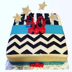 Stripes/Chevron 40th Birthday Cake 😍 #40thbirthday #stripescake #chevroncake #40andfabulous