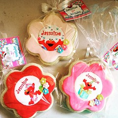 Elmo Birthday Cookies #elmo #elmoparty #elmobirthday #elmocookies #girlcookies