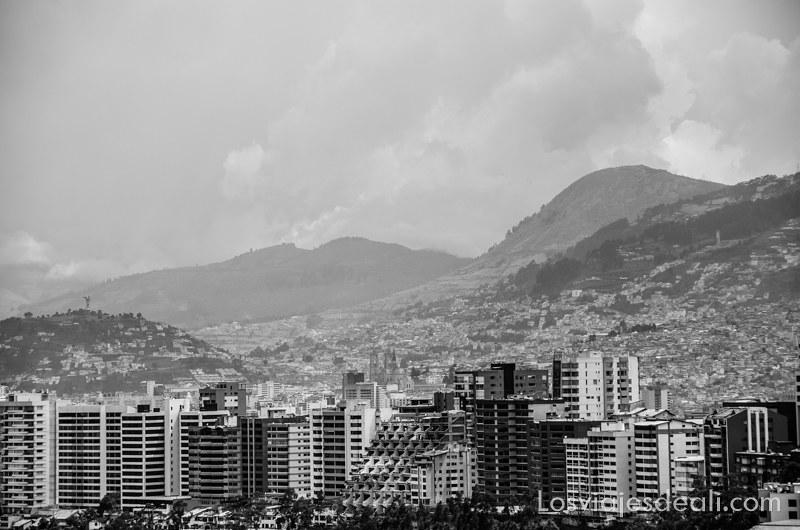 vistas de Quito desde el Museo Guayasamín