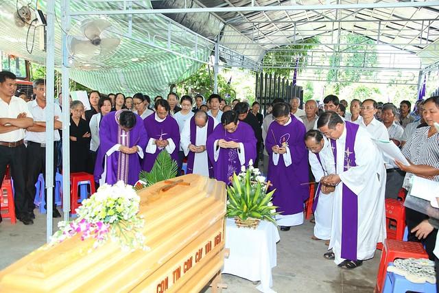 Hình ảnh: Viếng Thầy PHÊRÔ PHẠM KIM NGỌC HIỆP, GP Kon Tum
