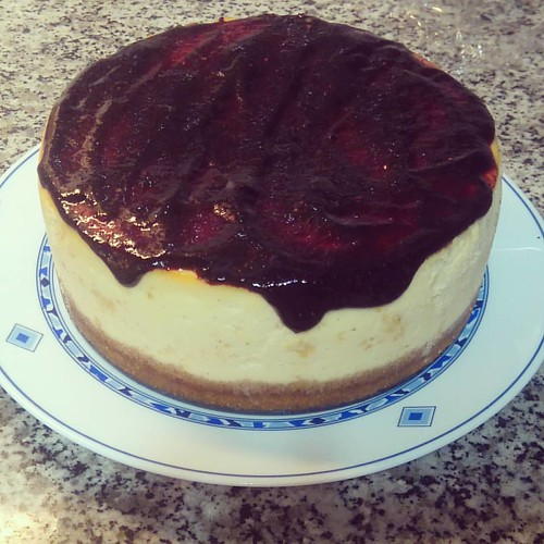 New York cheese con mermelada casera de moras silvestres #newyorkcheesecake #cheesecake #tartadequeso #mermelada #mermeladacasera #mermeladademoras #Jam #moras #morassilvestres #blackberries #sweet #dessert #hechoencasa #homemade #casero
