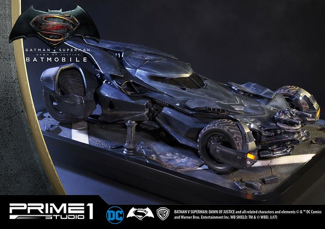 Prime 1 Studio 蝙蝠俠對超人:正義曙光【蝙蝠車】 Batmobile 超巨大雕像