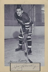1934-44 NHL Beehive Hockey Photo / Group I - JOHNNY GOTSELIG (Left Wing) (b. 24 Jun 1905 - d. 15 May 1986 at age 80) - Autographed Hockey Card / Cut (Chicago Black Hawks) (#55)