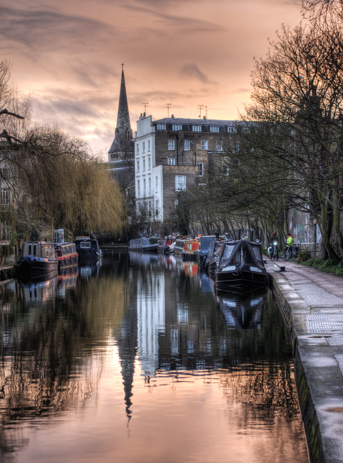 Sunset over the Regent's Canal in Camden, London. Credit Neil Howard, flickr