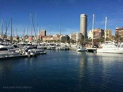 Otro precioso día en #LaMillorTerretadelMón #GentedeAlicante! :sun_with_face: Bon Día a Tots Familia desde el puerto de #Alicante :boat: :wink: #Alacant  #Alicantecity #igersalicante
