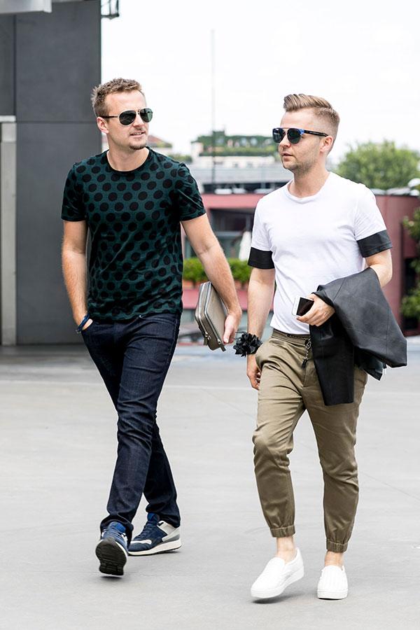 水玉Tシャツ×デニムパンツ×スニーカー&白無地T×黒Tシャツ×ベージュリブパンツ×白スリッポン