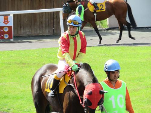 釜山慶南競馬場の小牧太に似た騎手