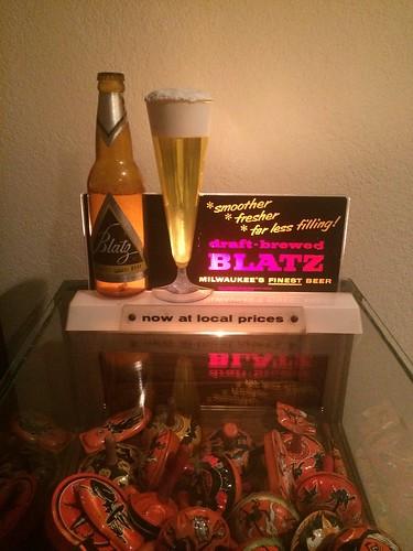 BLATZ BEER BUBBLER