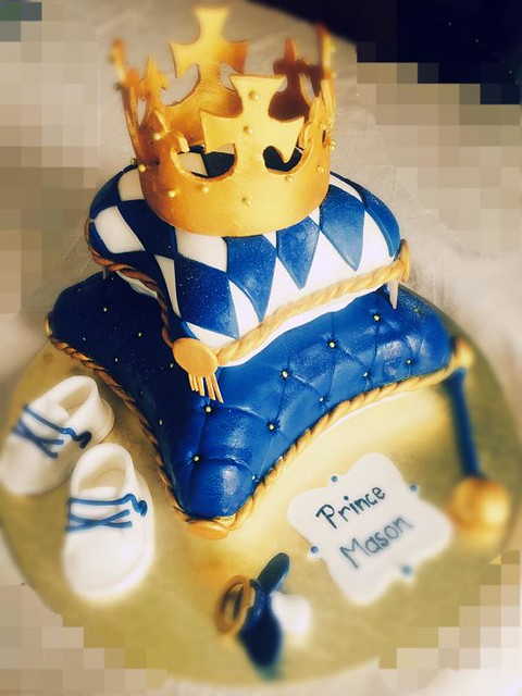 Royal Cake by Virginie Merime of Virgy's everything sweet