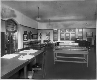 Print room, Public Archives, Sussex Street, Ottawa, Ontario / Salle des reproductions, Archives publiques, rue Sussex, Ottawa (Ontario)