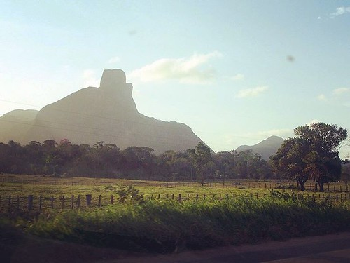 Pascoal Mountain was  the first thing that Pedro Alvares Cabral sighted when discovering Brazil in 1500 #montepaschoal #bahia #bahiatursa #mtur #turismonobrasil #parquenacionalmontepascoal #nationalparks #ecotourism #travelpic #travelgram #travelphotograp