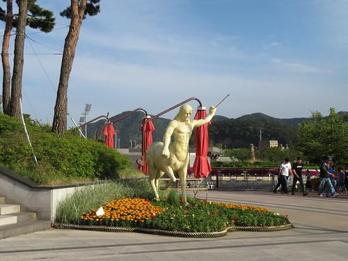 釜山慶南競馬場の像
