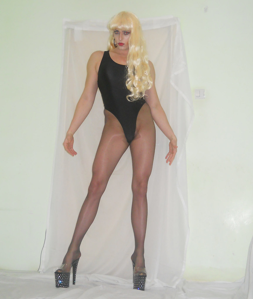 For Crossdressers in pantyhose and heels was specially