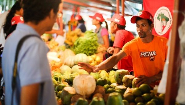 Farmers are expected to more than 230 tons of food at modest prices over the next four days - Créditos: MST