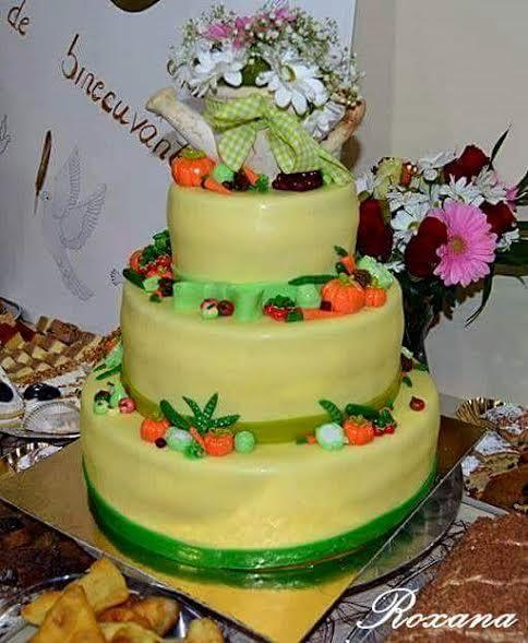 Cake by Roxana Călugăr of Prestige Gateaux Roxana