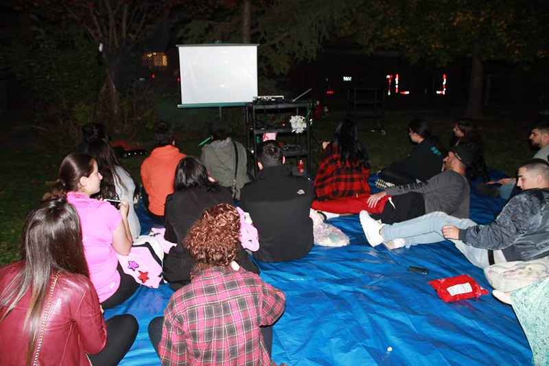 Movie Night in the Dark 2016, Youth watching Hocus Pocus