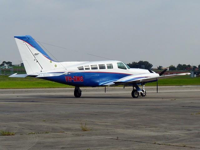 VH-ZMG Cessna 402C YMEN 20170515, Panasonic DMC-FZ35