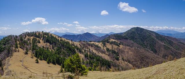 小金沢山連なる美しい稜線