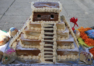 gingerbread pyramid