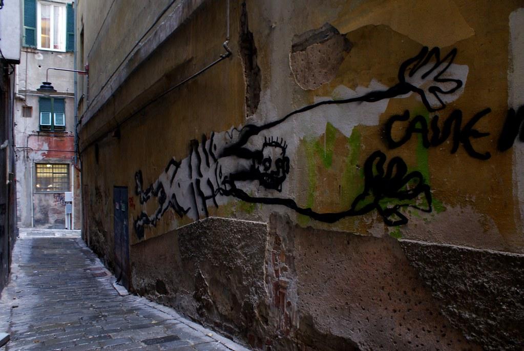 Street art à Gênes dans les ruelles étroites de la Vieille Ville.