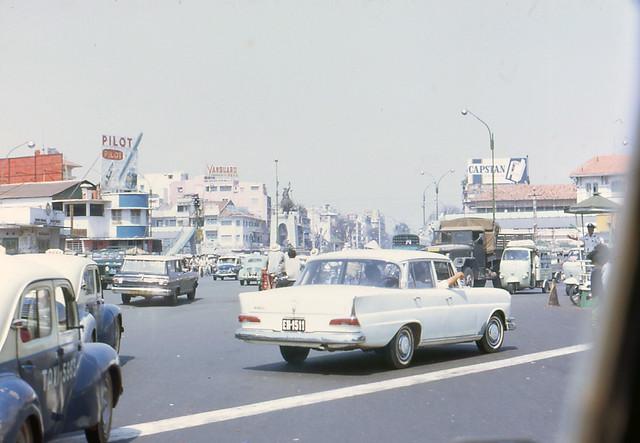 Saigon 1969 by Rachelle Smith - Tran Hung Dao Blvd