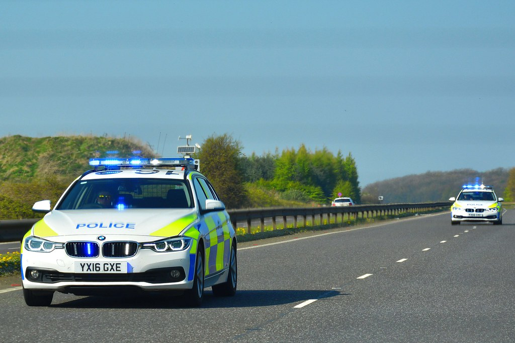 Blue Light Convoy | Humberside Police BMW 330d Traffic cars