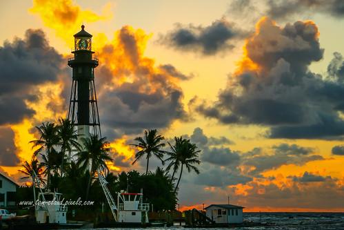 lighthouse trees clouds cloudy sky morning dawn sunrise hillsboroinletlighthouse hillsborobeach florida usa