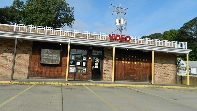 The Video Store, Nikon COOLPIX L310