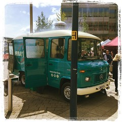 The 1987 Mercedes Street food @murraymaysfood at the ‪@TempleQMarket‬ #bristol #streetfood #barbecue