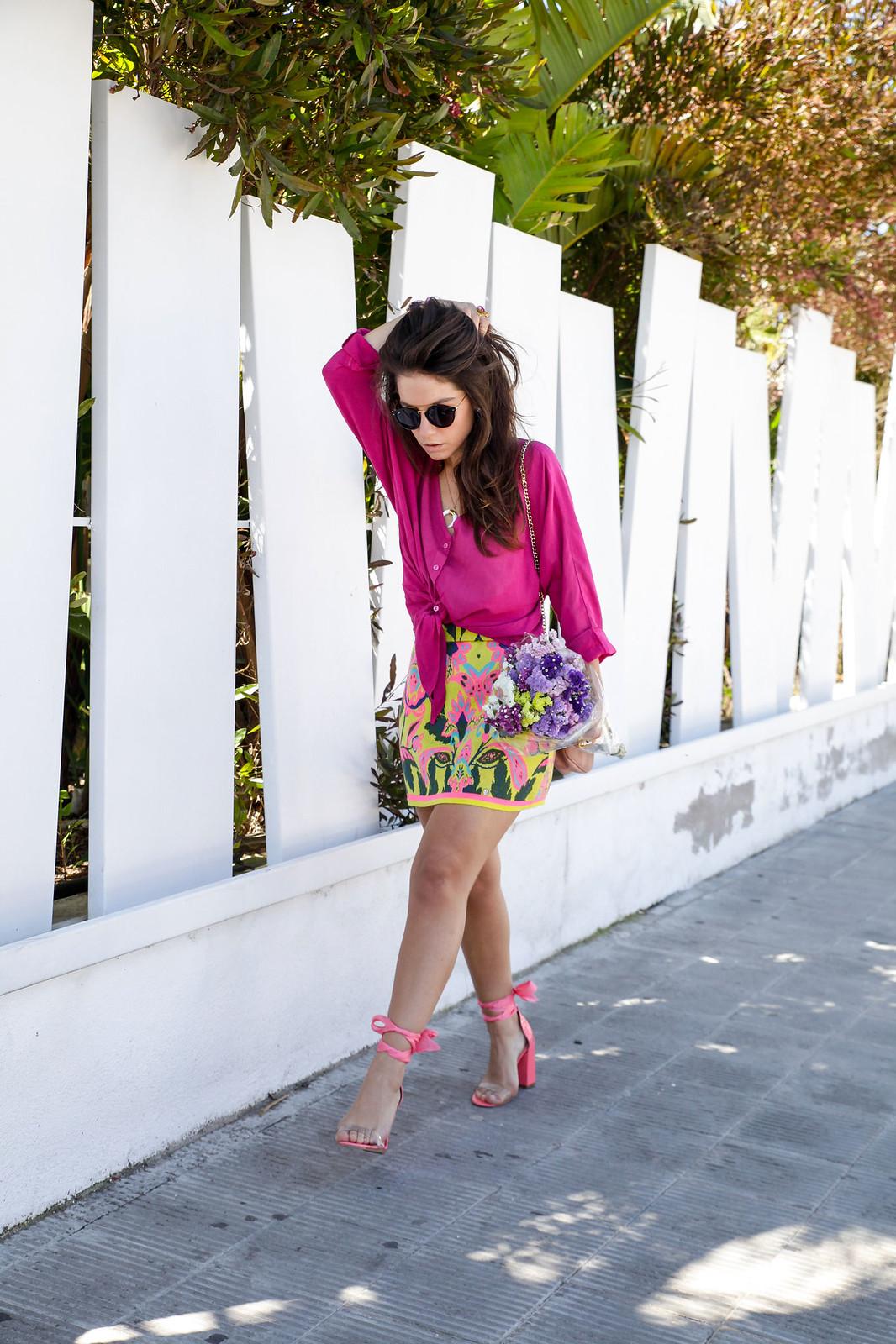 02_blusa_magenta_falda_amarilla_outfit_ruga_summer17_theguestgirl_influencer_barcelona_portugal_brand_ambassador