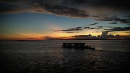 Fim de tarde na travessia Careiro da Várzea x Manaus ...... www.flickr.com/serrasclimb ...... #serrasphotography #serrasclimb #flickr #photooftheday #bestoftheday #picoftheday #365 #instadaily #instagood #instamood #instalife #awesome #love #amazing #l4l