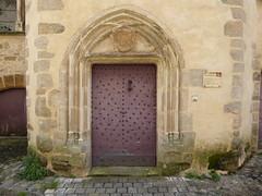 A Tudor door on an ancient tower Beaulieu - Photo of Cornac