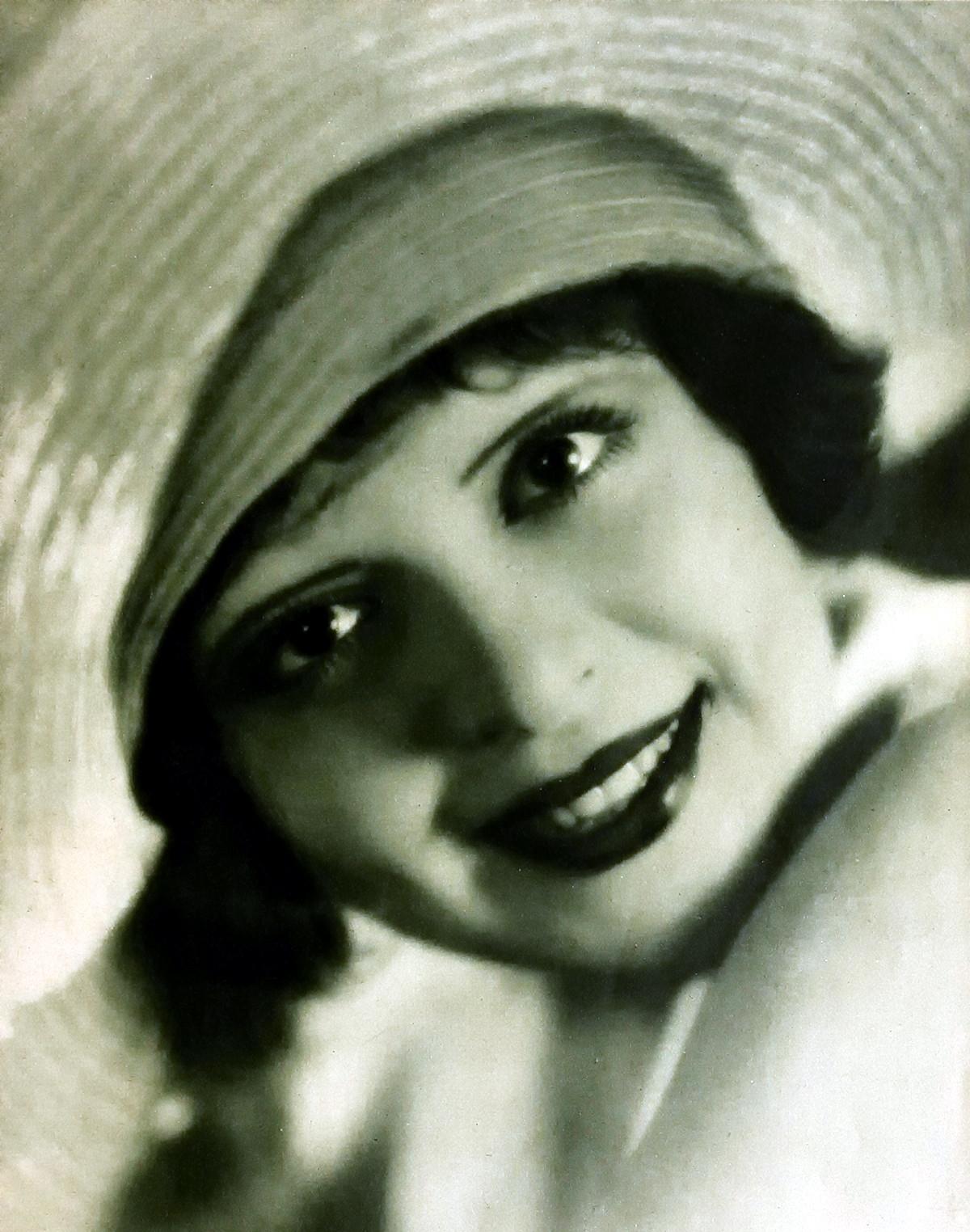 Clara Bow, 1928