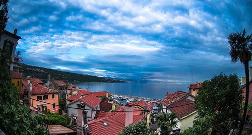 adriatic adriaticsea croatia croatian hrvatska kvarner kvarnerbay kvarnergulf pentaxk01 rijeka volosko cloud clouds coast coastal harbour landscape landscapes natural naturally nature panorama panoramic pier port roofs sky sunset weather opatija primorskogoranskažupanija hr