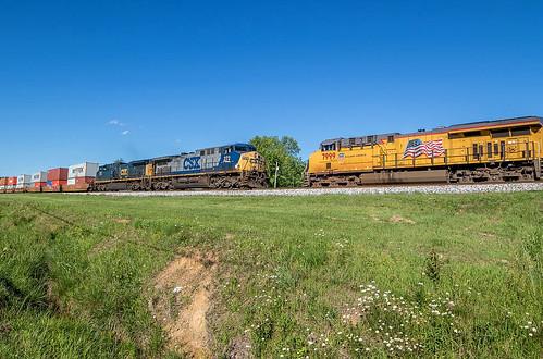 CSX Train's Q125 & Q688
