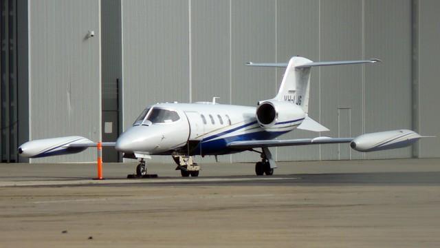 VH-LJG Gates LearJet 35A, Panasonic DMC-FZ35
