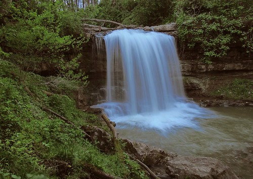 woodlands nature outdoors waterfall opossumrun fayettecounty dunbartownship pennsylvania waterway rocks forest springtime may explore